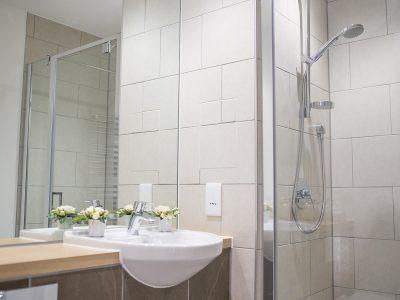 Quadrant Quay - Example bathroom